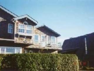 Dolphin Inn South is a Romantic studio 2 blocks to the beach sleeps 2 - 35606 - Image 1 - Cannon Beach - rentals