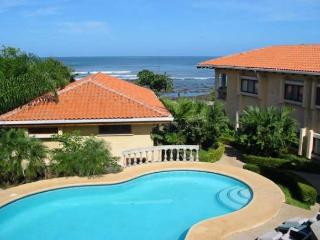 Nice oceanview home- kitchen, internet, a/c, shared pool, jacuzzi tub - Rio Seco vacation rentals