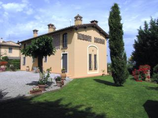 Farmhouse Rental in Tuscany, Castelfiorentino - Casa Fascinante - Castelfiorentino vacation rentals