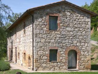 Renting Villa in Tuscany - Tenuta Abbazia - Casa Il Cinghiale - Chiusi vacation rentals