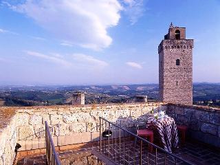 San Gimignano Villa in a Historic Tower - Cavalliere 2 - San Gimignano vacation rentals