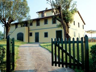 Tuscany Villa Accommodation - Fattoria Capponi - Missoni - Montopoli in Val d'Arno vacation rentals