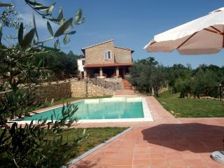 Tuscany Villa with Four Bedrooms all with En Suite Baths - Podere della Fraternita - Badia Agnano vacation rentals