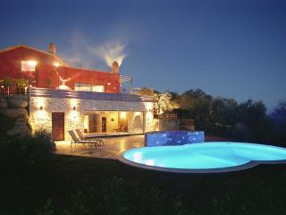 Tranquility, Stunning Views, Excellent Location, Outdoor and Indoor Pools - Villa Due Specchi - Castel Rigone vacation rentals
