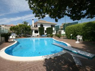 Sardinian Villa with Tennis Court and Swimming Pool - Villa Flamingo - Flumini vacation rentals