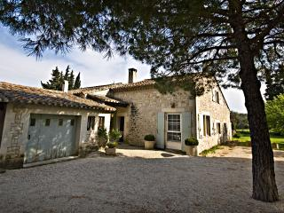 Villa Francine, Beautiful 4 Bedroom Provence Home with Sauna and Pool - Les Baux vacation rentals