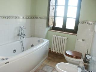 Beautiful Villa in Tuscany Close to Cortona - Villa Fontana - Tuoro sul Trasimeno vacation rentals