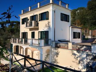 Villa Rental in Campania, Sant'Agata sui due Golfi - Villa I Limoni - Sant'Agata sui Due Golfi vacation rentals