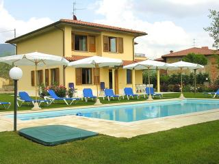 Spacious Family Villa in Tuscany with Private Pool - Villino Fiume - Loro Ciuffenna vacation rentals