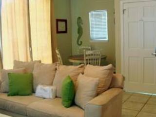 Nantucket Rainbow Cottages 11B - Image 1 - Destin - rentals