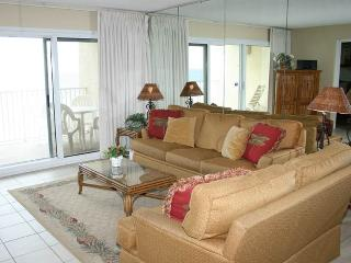 Nice Condo with Waterfront and Shared Outdoor Pool - Miramar Beach vacation rentals