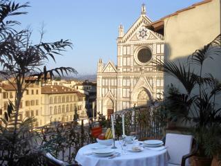 Rent Apartment Florence - Piazza Santa Croce - Canova - Florence vacation rentals