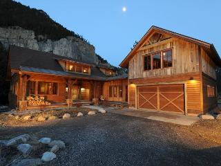 Crooked Canyon Lodge - Gallatin Gateway vacation rentals