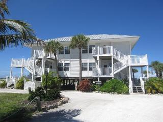 Nice Villa with Dishwasher and A/C - Cape Haze vacation rentals