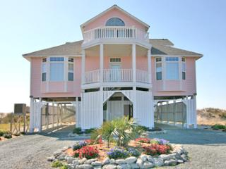 Spacious 4 bedroom North Topsail Beach House with Deck - North Topsail Beach vacation rentals