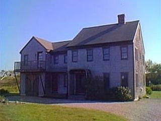 5 Bedroom 4 Bathroom Vacation Rental in Nantucket that sleeps 12 -(3488) - Image 1 - World - rentals