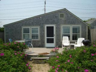 Comfortable 1 bedroom Nantucket House with Deck - Nantucket vacation rentals