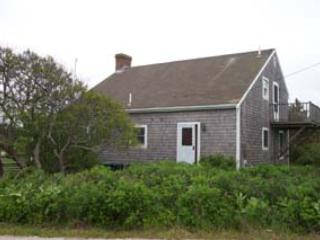 Beautiful 4 bedroom Nantucket House with Deck - Nantucket vacation rentals