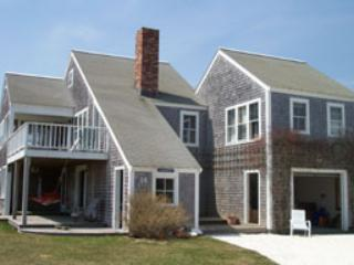 Picturesque House with 4 BR & 3 BA in Nantucket (3554) - Image 1 - Nantucket - rentals