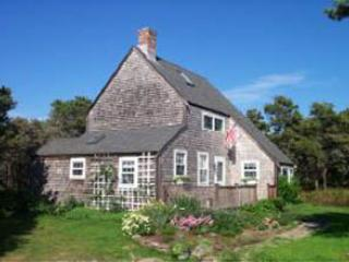 Lovely 4 Bedroom, 2 Bathroom House in Nantucket (3577) - Image 1 - Nantucket - rentals
