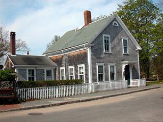 Nice 4 BR-4 BA House in Nantucket (8276) - Image 1 - Nantucket - rentals