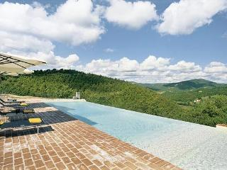 Toddler- friendly Umbrian villa on the border of Umbria and Tuscany. 5 Minutes from Preggio and 30 from Cortona. HII LAZ - Bevagna vacation rentals