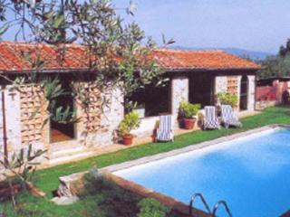 Lovely farmhouse 5kms from the center of Lucca. SAL GEL - Capannori vacation rentals