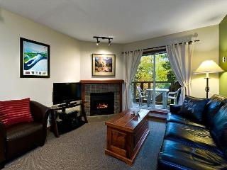 58 Glaciers Reach this 1br home has a hot tub & pool in Whistler Village - Whistler vacation rentals