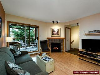 71 Glaciers Reach this 2br home has a hot tub & pool in Whistler Village - Whistler vacation rentals