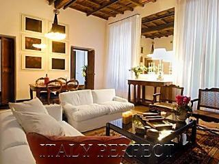 Perfect Luxury Designer Spacious Spanish Steps - Rome vacation rentals