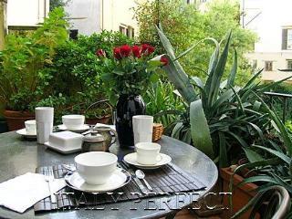 Perfect Santa Croce-Quiet-Nice Terrace-Beautiful Original Frescos-Tesoro Apartme - Florence vacation rentals