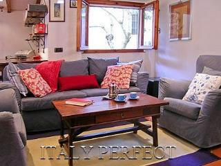 Perfect Big Comfy Apartment-Great Location-Toscane - Florence vacation rentals