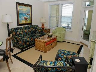 Comfortable Condo with Internet Access and Shared Outdoor Pool - Indian Beach vacation rentals