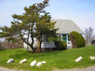 1187 - WHAT A LOCATION! CLASSIC VINEYARD FISHING VILLAGE VIEWS FROM THIS QUINTESSENTIAL COTTAGE - Menemsha vacation rentals