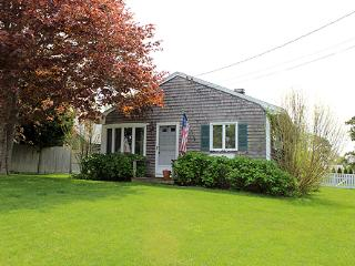 1265 - LOVELY IN-TOWN COTTAGE WITH LARGE BACK YARD - Chappaquiddick vacation rentals
