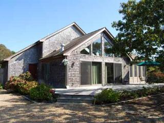 1286 - OPEN AND AIRY HOME WITH A LOVELY SCREENED IN PORCH - Edgartown vacation rentals