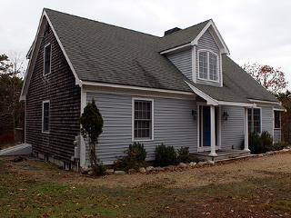 1305 - SPALSHED WITH SUNLIGHT, CASUAL WITH SOME FORMAL ELEMENTS! - Edgartown vacation rentals