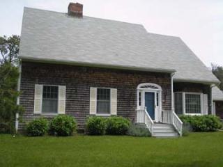 1358 - LIGHT,CHEERY, TENNIS & OCEAN! WHAT COUD BE BETTER? - Chappaquiddick vacation rentals
