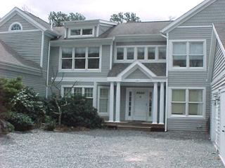1350 - SPACIOUS TOWNHOUSE WITH EXPANSIVE DECK, AIR CONDITIONING AND ACCESS TO ASSOCIATION POOL - Image 1 - Vineyard Haven - rentals