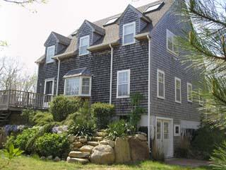 1421 - WONDERFUL EDGARTOWN VACATION HOME LOCATED CLOSE TO BIKE PATH, BEACH AND TOWN - Martha's Vineyard vacation rentals