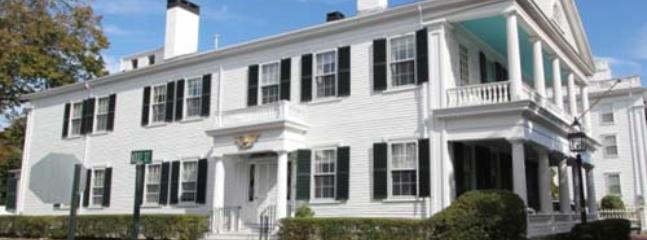 1485 - GRAND WHALING CAPTAIN'S HOUSE - Image 1 - Edgartown - rentals