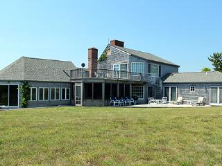 219 - COUNTRY KITCHEN.WALK TO WATER. LOVELY! - Martha's Vineyard vacation rentals