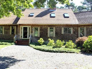 809 - WONDERFUL,SPACIOUS, LOVINGLY MAINTAINED HOME IN SENGEKONTACKET AREA - Oak Bluffs vacation rentals