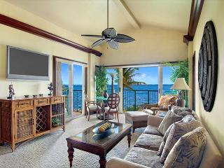 A402 Ocean FRONT* Penthouse & FAST wifi - Kapaa vacation rentals