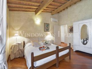 Servi - Windows on Italy - Florence vacation rentals