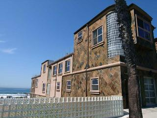 10BR Oceanfront Home, rooftop decks, private spas, sweeping views, brand new! - Oceanside vacation rentals