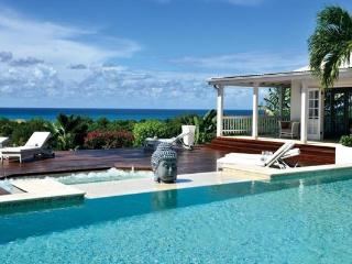 Panoramic sea views, large swimming pool and fully air-conditioned. C BER - Pelican Key vacation rentals