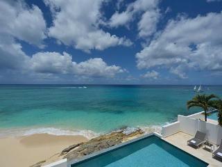 Oceanside villa on Cupecoy Beach in Shore Pointe. C FAR - Cupecoy vacation rentals