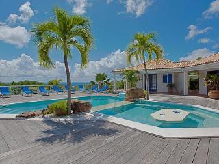 Enjoy views of the Ocean and Saba. C FON - Pelican Key vacation rentals