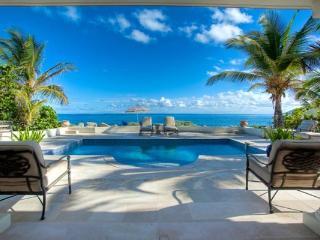 Prime St. Martin honeymoon villa on Baie Rouge Beach. C WOO - Baie Rouge vacation rentals